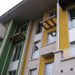Decoración de Fachada Amarilla y Verde