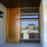 Puerta Madera y ventana cristal